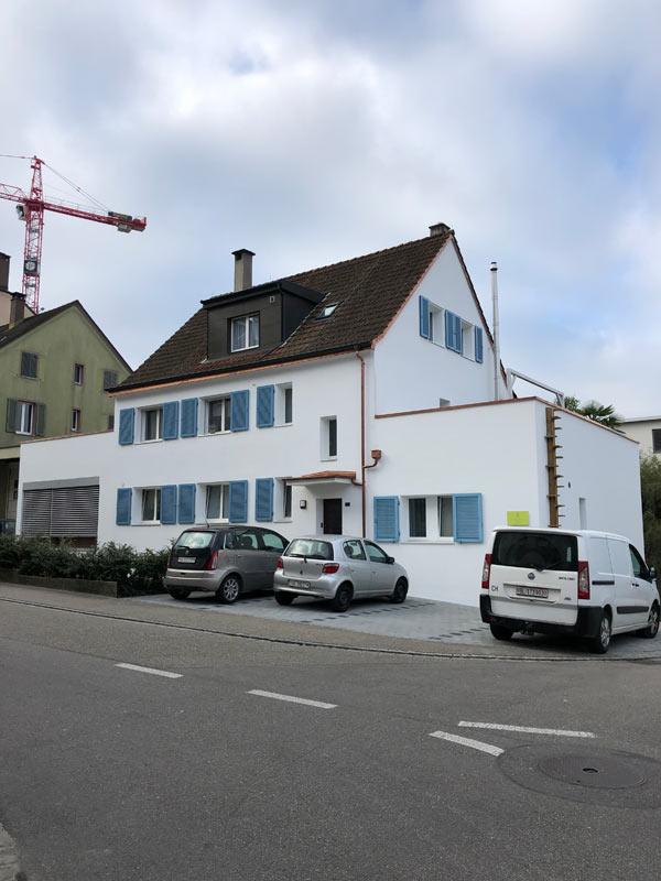 Neu renovierte Fassade